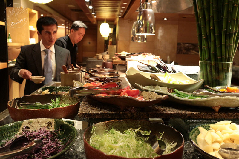 Banbi217 美食旅遊: 台北君悅酒店彩日本料理自助餐吃到飽新菜日式炸豬排,捷運台北101世貿站、市政府站、信義區(邀約)[GRAND HYATT TAIPEI IRODORI Japanese cuisine]