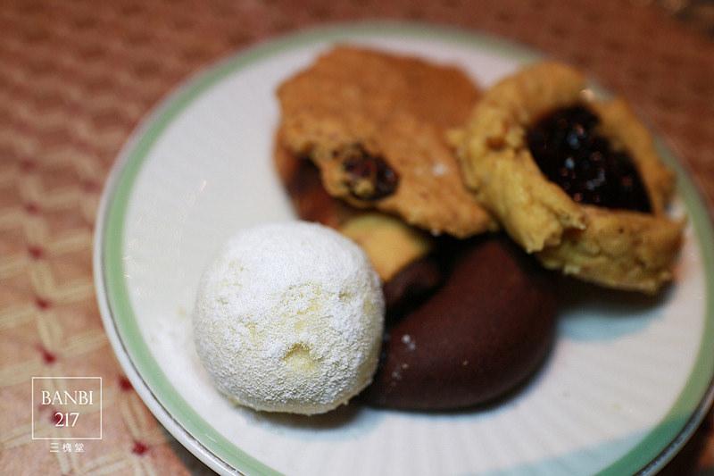 Banbi217 美食旅遊: 三槐堂 起司蛋糕與咖啡的下午茶(台北捷運信義線美食,捷運中正紀念堂站)